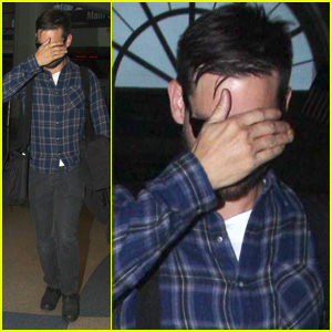 Tobey Maguire: Shy LAX Arrivial