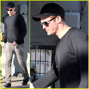 Alexander Skarsgard: Joan's on Third Lunch!