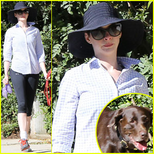 Anne Hathaway: Saturday Stroll with Esmeralda!