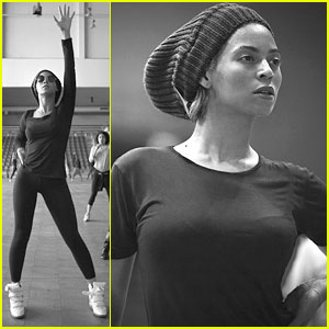 Beyonce's Super Bowl Halftime Show Rehearsal - Pics & Video!