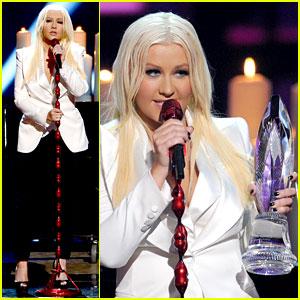 Christina Aguilera: People's Choice Awards 2013 Performance - Watch Now!