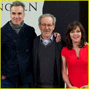 Daniel Day-Lewis Promotes 'Lincoln' After Golden Globe Win!