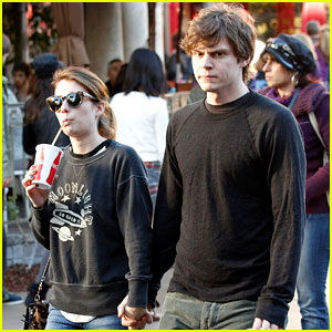 Emma Roberts & Evan Peters: The Grove Couple!