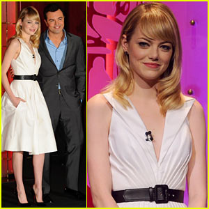 Emma Stone & Seth MacFarlane Announce the Oscar Nominations 2013