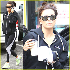Eva Longoria: Hulu Supporter in Hollywood!