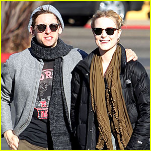 Evan Rachel Wood Dreamed of Kissing Kristen Stewart!