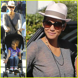 Halle Berry: Disneyland with Nahla!