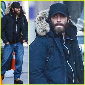 Jake Gyllenhaal is Not Dating Katie Holmes!
