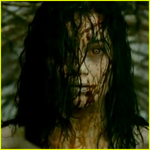 Jane Levy Gets Bloody in 'Evil Dead' Red Band Trailer