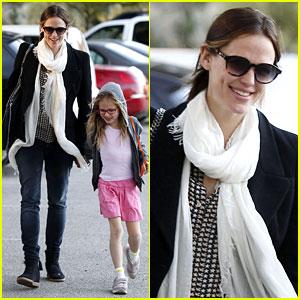 Jennifer Garner: Palisades Park with Violet!