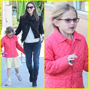 Jennifer Garner & Violet: Post Golden Globes Yogurt Stop!