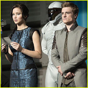 Jennifer Lawrence & Josh Hutcherson: New 'Catching Fire' Stills!