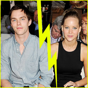 Jennifer Lawrence & Nicholas Hoult Split