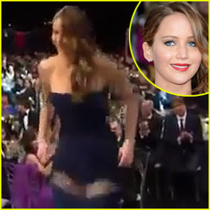 Jennifer Lawrence: Wardrobe Malfunction at SAG Awards 2013? (Video)