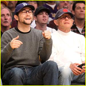 Joseph Gordon-Levitt: Lakers Game with Dad Dennis!