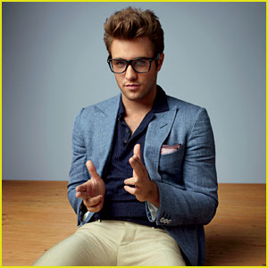 Josh Bowman: 'GQ' TV Rising Stars Fashion Spread!