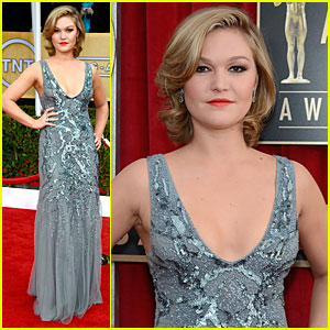 Julia Stiles - SAG Awards 2013 Red Carpet