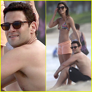 Justin Bartha: Shirtless Maui Vacation with Mystery Woman!
