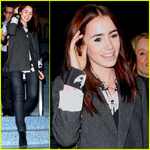 Lily Collins: Convention Center Cutie