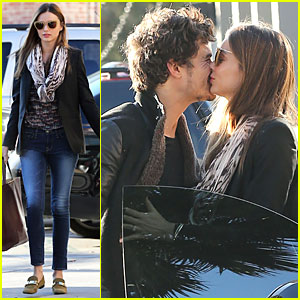 Miranda Kerr & Orlando Bloom: Spa Pick-Up Kisses!