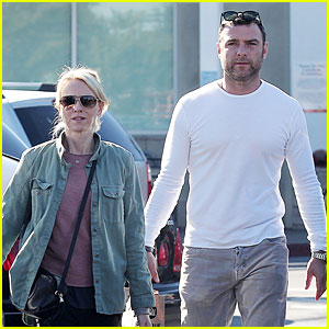 Naomi Watts & Liev Schreiber: Post Golden Globes Grocery Run!
