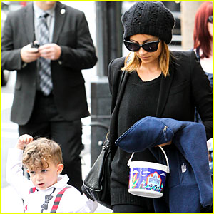 Nicole Richie: Saturday Fun with Sparrow!
