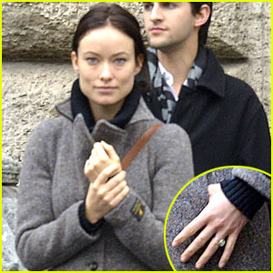 Olivia Wilde Flashes Engagement Ring on 'Third Person' Set!