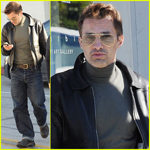 Olivier Martinez: Art Gallery Stop with a Pal!