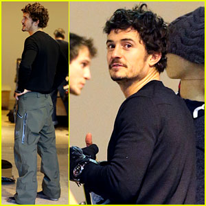 Orlando Bloom: Burton Snowboards Shopper!