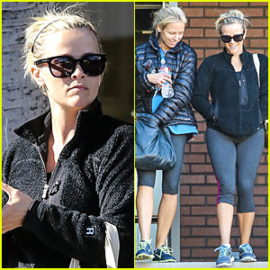 Reese Witherspoon: Post Holiday Workout Session!
