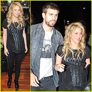 Pregnant Shakira & Gerard Pique: 'The Wind and Random' Book Presentation!