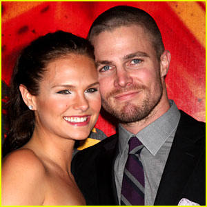 Stephen Amell: Married to Cassandra Jean! (Exclusive)