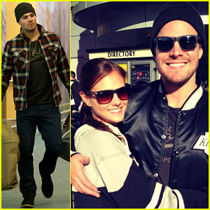 Stephen Amell & Wife Cassandra: Kings Game Couple!