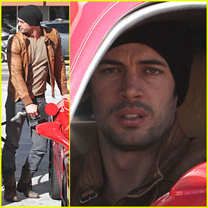 http://cdn01.cdn.justjared.com/wp-content/uploads/headlines/2013/01/william-levy-happy-new-year-everyone.jpg