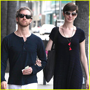 Anne Hathaway & Adam Shulman: Medical Office Visiting Couple!
