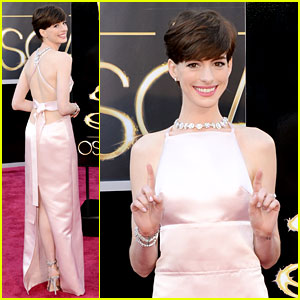 Anne Hathaway - Oscars 2013 Red Carpet
