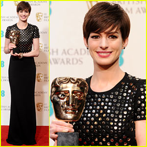 Anne Hathaway Wins Best Supporting Actress at BAFTAs 2013