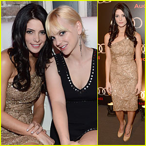 Ashley Greene & Anna Faris: Super Bowl Partying Gals!