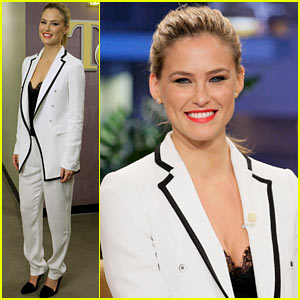 Bar Refaeli: Jay Leno Tries to Recreate Go Daddy Kiss!