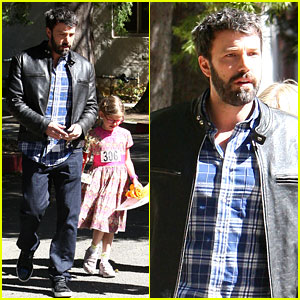 Ben Affleck: Pre-Oscars 2013 Spelling Bee with Violet!