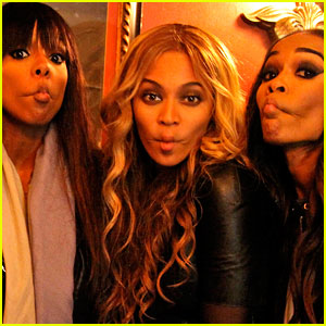 Beyonce: Fishy Faces with Kelly Rowland & Michelle Williams!