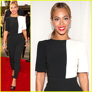 Beyonce - Grammys 2013 Red Carpet