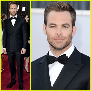 Chris Pine - Oscars 2013 Red Carpet