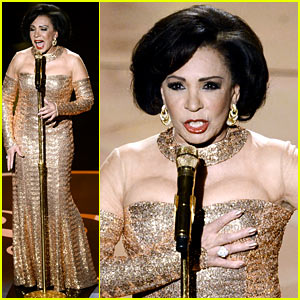 Dame Shirley Bassey: James Bond Tribute at Oscars 2013 (Video)