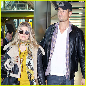 Fergie: Pregnant Heathrow Arrival with Josh Duhamel!
