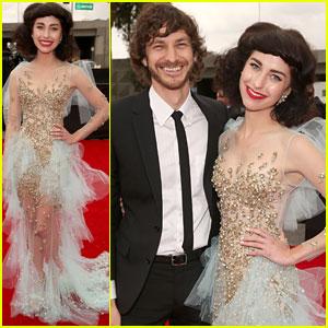 Gotye - Grammys 2013 Red Carpet with Kimbra!