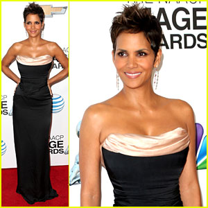 Halle Berry - NAACP Image Awards 2013 Red Carpet