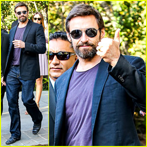Hugh Jackman: Pre-Oscars Party at Coldwater Canyon Park!