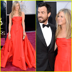 Jennifer Aniston - Oscars 2013 Red Carpet with Justin Theroux