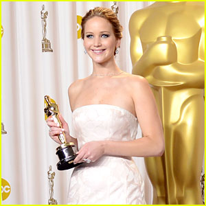 Jennifer Lawrence: Oscars Press Room Interview Video 2013